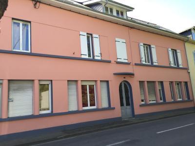Vue: NAY - Vente Appartement T3, NAY Centre - Vente Appartement de type 3 refait à neuf