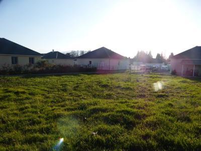 Vue: NAY - Vente Terrain viabilisé, NAY - Vente terrain constructible viabilisé en fond de lotissement