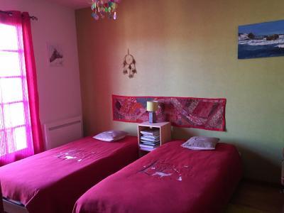 Vue: Proche NAY - Vente Maison 5 chambres, Proche NAY - Vente Maison néo-béarnaise de 126 m² avec Vue Pyrénées