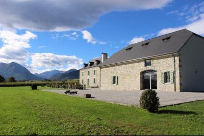 Proche NAY - Vente Ensemble maison béarnaise et grange totalement renovées Agence immobilière Libre-Immo, Pyrénées-Atlantiques, à Nay et Pau