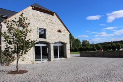 Vue: Proche NAY - Vente Ensemble béarnais avec dépendances sur 10 000 m², Proche NAY - Vente Ensemble maison béarnaise et grange totalement renovées
