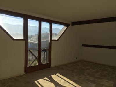Vue: NAY - Vente Maison 5 chambres sur 3300 m² - Vue Pyrénées, NAY - Vente maison T6 de 154 m² avec vue Pyrénées