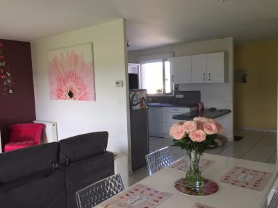 Vue: Proche NAY - Location Maison 3 chambres et 1 garage, Proche NAY - Location Maison 3 chambres et 1 garage au calme