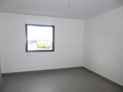 Vue: NAY - Location Appartement T2 neuf, NAY - Location Appartement T2 neuf