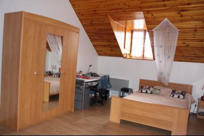 Vue: Entre NAY et BORDES - Vente grande maison familiale au calme, Entre NAY et BORDES - Vente Maison de type 6 - Au calme
