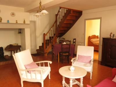Vue: Sud de NAY - Vente Béarnaise avec 3 chambres, NAY Sud - Vente Charmante béarnaise avec 3 grandes chambres - Au calme - Potentiel agrandissement