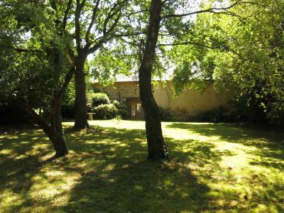 Vue: Entre PAU et TARBES Vente en exclusivité Maison ancienne avec sa grange et son parc, Entre PAU et TARBES - Vente en exclusivité Maison de type 6 au calme avec parc et belle grange