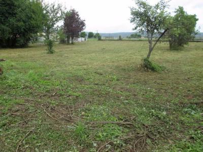 Vue: Tout proche NAY - Vente Terrain plat de 1670 m², NAY - Vente terrain plat de 1670 m²
