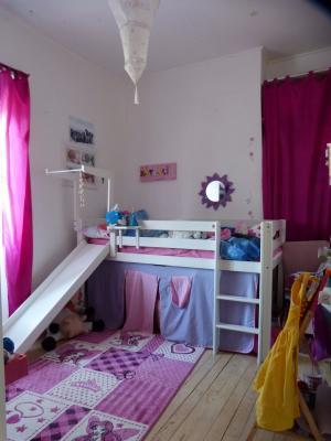 Vue: NAY - Vente Maison de village avec 3 chambres au calme, NAY - Vente Maison de village de type T4 au calme