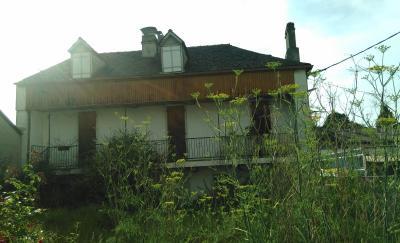 Vue: NAY Centre - Vente 2 maisons à rénover avec jardin, NAY - Vente 2 maisons à rénover avec petit jardin au centre ville