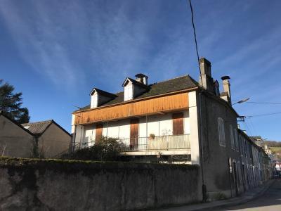 Vue: NAY Centre - Vente Maison à rénover avec jardin et double garage, NAY - Vente  maison à rénover avec petit jardin et double garage au centre ville