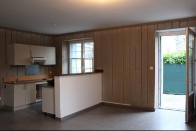 Vue: Proche NAY - Vente en exclusivité Appartement T3 en duplex avec cour, Proche Nay - Vente en exclusivité - Appartement T3 en Duplex avec grande terrasse - Loué