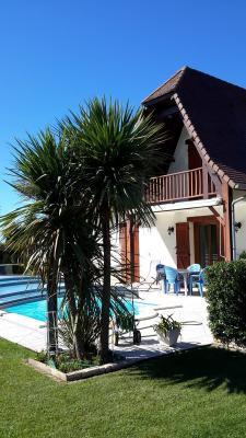 Vue: BORDES - Vente Maison 4 chambres et 1 bureau avec piscine couverte et 2 garages, Secteur BORDES - Vente Maison 4 chambres et 1 bureau avec piscine et 2 garages