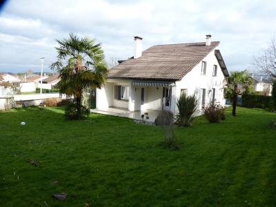 Proche NAY - Vente maison rénovée 4 chambres, un bureau et une grande salle de jeu Agence immobilière Libre-Immo, Pyrénées-Atlantiques, à Nay et Pau