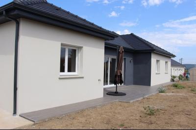 Vue: Proche NAY - Location Maison Neuve 4 chambres, Proche NAY - Location Belle maison neuve de 4 chambres