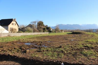 Vue: NAY - Vente Terrain de 516 m² - Plat et viabilisé - Très belle vue Pyrénées, NAY - Vente Terrain de 516 m² - Plat et viabilisé - Très belle vue Pyrénées
