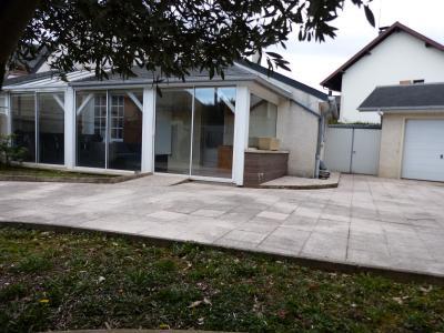Vue: Proche NAY - Vente Maison de village au calme sans travaux, Proche NAY - Vente Maison de village au calme sans travaux