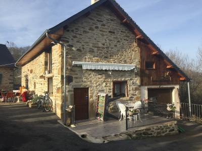 Vue: Proche NAY - Vente Ensemble de 2 maisons anciennes rénovées, Proche NAY - Vente Ensemble de 2 maisons anciennes rénovées