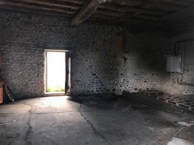 Vue: Entre NAY et BORDES - Vente Béarnaise et son enclos au fort potentiel, Entre NAY et BORDES - Vente Béarnaise et son enclos au fort potentiel