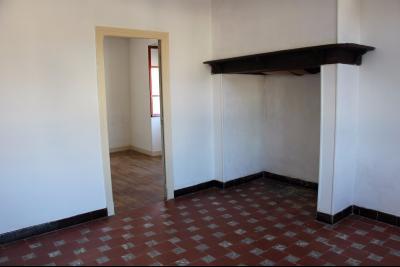 Vue: Proche NAY - Vente Maison sur sous-sol avec grenier aménageable - Vue Pyrénées, Proche NAY- Vente Maison ancienne à restaurer avec très belle vue sur 1000 m²