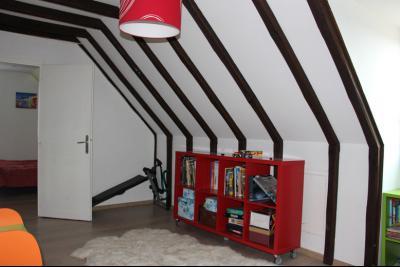 Vue: Proche NAY - Vente Maison 4 chambres et un bureau complètement rénovée au calme, Proche NAY - Vente Maison 145 m² avec 4 chambres et un bureau complètement rénovée au calme