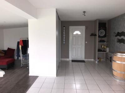 Vue: NAY - Vente Maison 3 chambres, NAY - Vente Maison 3 chambres sur 673 m²