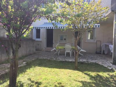 NAY Centre - Location Maison de ville de type 5 avec petit jardin Agence immobilière Libre-Immo, Pyrénées-Atlantiques, à Nay et Pau