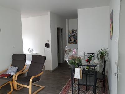 Vue: NAY Centre - Location Appartement T3 en duplex avec terrasse, NAY Centre - Location Appartement T3 en duplex avec terrasse