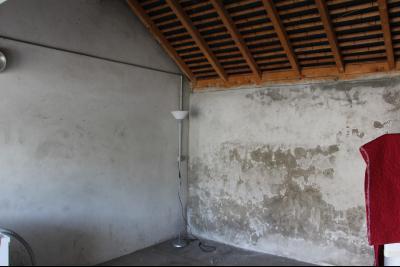 Vue: Proche PAU - Location Appartement T3 rénové avec extérieur privatif dans petite résidence, Proche PAU - Location Appartement T3 rénové avec extérieur privatif dans petite résidence