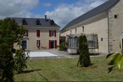 NAY - Vente béarnaise rénovée avec goût 5 chambres, piscine et vue Pyrénées Agence immobilière Libre-Immo, Pyrénées-Atlantiques, à Nay et Pau