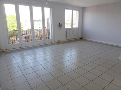 Vue: Séjour - à vendre Lumineux T3 PAU CENTRE,  Exclusivité PAU CENTRE. à vendre Lumineux T3 avec balcon, parking et cave