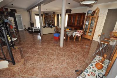 Vue: EXCLUSIVITÉ LONS, Maison 5 chambres- Séjour, EXCLUSIVITÉ LONS, Maison 5 chambres avec vie de plain pied sur 2000 m² de terrain
