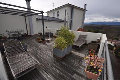 Vue: JURANCON- T3 vue Pyrénées-Terrasse, EXCLUSIVITÉ JURANCON, A VENDRE, Lumineux T3 de plus de 100 m² avec grande terrasse sur vue Pyrénées