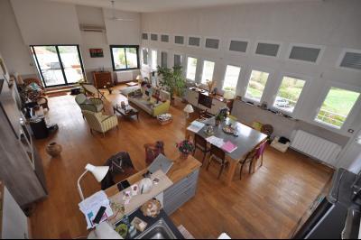 Vue: JURANCON- T3 vue Pyrénées-Séjour, EXCLUSIVITÉ JURANCON, A VENDRE, Lumineux T3 de plus de 100 m² avec grande terrasse sur vue Pyrénées