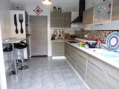 Vue: PAU-A vendre Maison 3 chambres-Cuisine, PAU, à vendre, jolie maison avec 3 chambres, sans travaux!