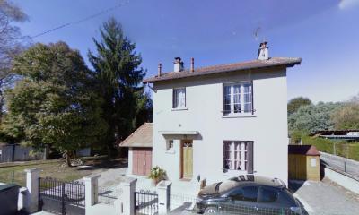 Vue: HAUT DE LESCAR- Maison 3 chambres-Façade, HAUT DE LESCAR, Dans secteur recherché, Maison 3 chambres sur 500 m² de terrain.