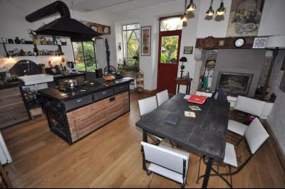 Vue: GELOS-Maison 5 Chambres-Cuisine, GELOS, Magnifique maison de 257 m² sur 991 m² de terrain, offrant de très belles prestations