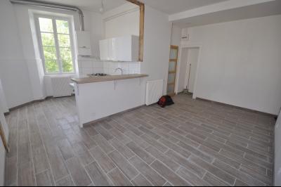 Vue: Exclusivité PAU CENTRE- T2 avec garage-Séjour, EXCLUSIVITÉ PAU CENTRE, Appartement T2 rénové avec magnifique vue! Garage