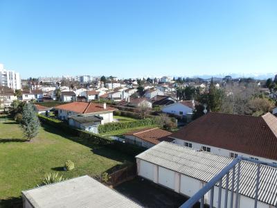 Vue: Haut de BILLERE- A vendre, T3 avec balcon-Séjour, BILLERE, A VENDRE, T3 avec balcon cave et garage, vue Pyrénées