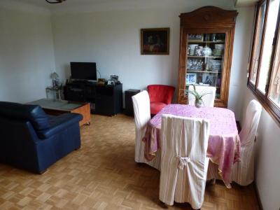 Vue: PAU -T4 balcon et cave- Séjour, PAU, A VENDRE, Appartement T4 avec terrasse et cave