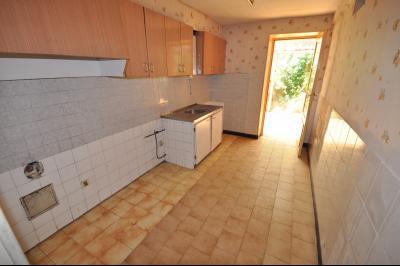 Vue: Proche OLORON STE MARIE- Maison 3 chambres -Cuisine, Secteur OLORON STE MARIE, Maison de 106 m² avec 130 m² de dépendance à rénover