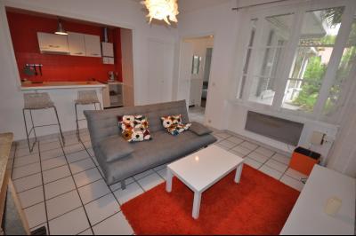 Vue: PAU-T2 avec jardin-Séjour, RARE à PAU, T2 de 40 m² avec terrasse et jardin privatif