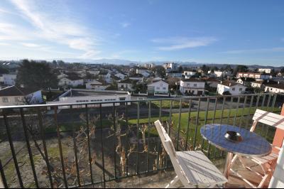 Vue: Cuisine US, PAU ST JULIEN, Dernier étage, balcon et vue Pyrénées pour ce T3 entièrement rénové!