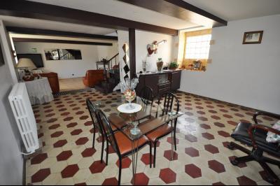 Vue: Maison SAUVAGNON-Séjour, EXCLUSIVITÉ SAUVAGNON, A VENDRE, Maison 3 chambres, sur 675 m² de terrain avec garage