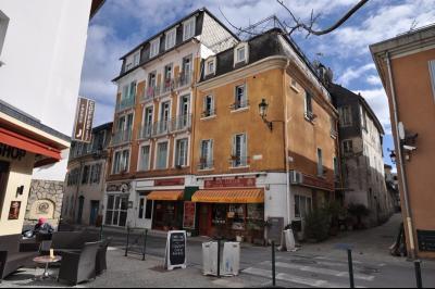Immeuble LOURDES, Agence Immoblière à Nay et Pau, Libre-Immo, Pyrénées-Atlantiques