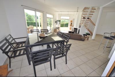 Vue: GELOS-Maison 5 Chambres-Séjour, GELOS, Maison de 192 m²avec vie de plain-pied, 5 chambres, avec piscine sur 2589 m² de terrain