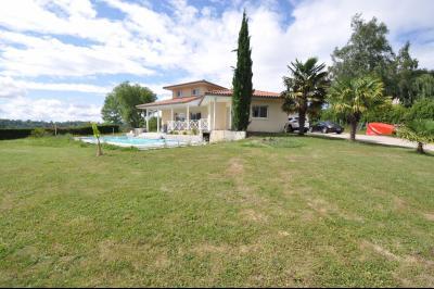 Vue: GELOS-Maison 5 Chambres-Exterieur, GELOS, Maison de 192 m²avec vie de plain-pied, 5 chambres, avec piscine sur 2589 m² de terrain