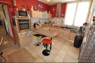 Vue: PAU BEAUMONT- T4 avec cours-Cuisine, PAU BEAUMONT, A VENDRE, Maison 3 chambres avec cour privative et caves.