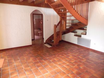 Vue: Séjour, PROCHE MORLAAS, A VENDRE, jolie maison 3 chambres, garage et grand atelier