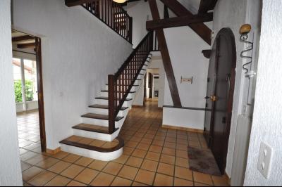 Vue: PAU PÉBOUÉ- Maison 4 chambres-Entrée, EXCLUSIVITÉ PAU PÉBOUÉ, A VENDRE, spacieuse maison familiale 4 chambres avec grand séjour